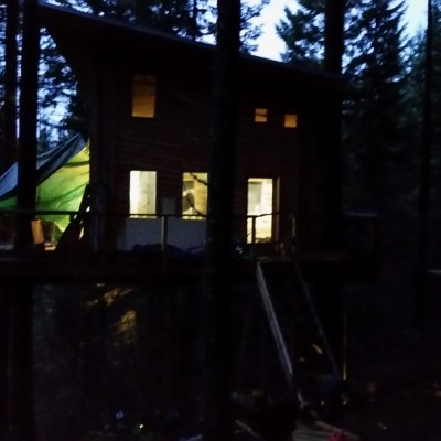 Tree House at night by Tree House Guys-DIY Network -